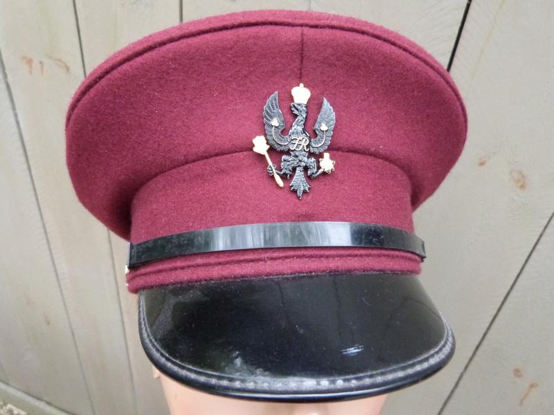 Le béret brun des King's Royal Hussars P1150426