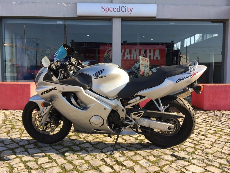 CBR 600 F4i 2002 M9049713