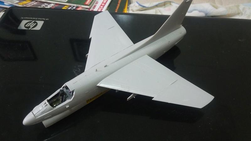 Hobby Boss A-7P Corsair II - 1/72 20170315