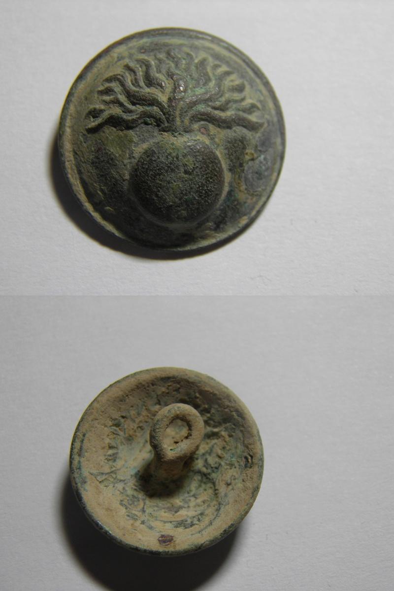 Botón Carabineros 1859-1875 ¿? P3100413