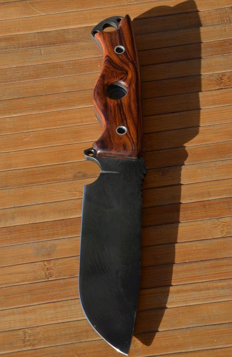 les couteaux du trefle - Page 8 Dsc_0036