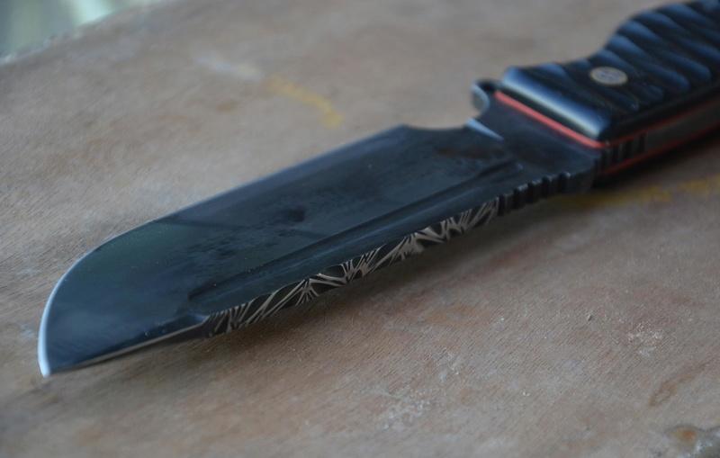 les couteaux du trefle - Page 8 Dsc_0040