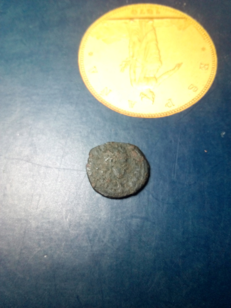 AE4 de Valentiniano II. VOT / XV / MVLT / XX. Aquilea Img_2168