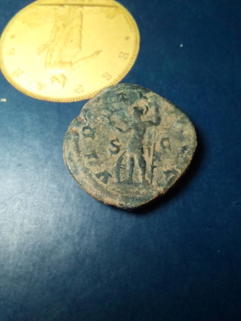 Sestercio de Gordiano III Pío. VIRTVS AVG - S C. Virtud estante a izq. Ceca Roma. Img_2187