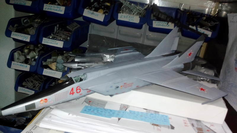 Mig-25 RBT 1/48 ICM Img_2030