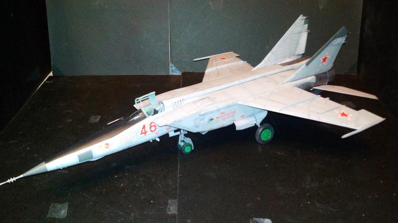 Mig-25 RBT 1/48 ICM Img_2032