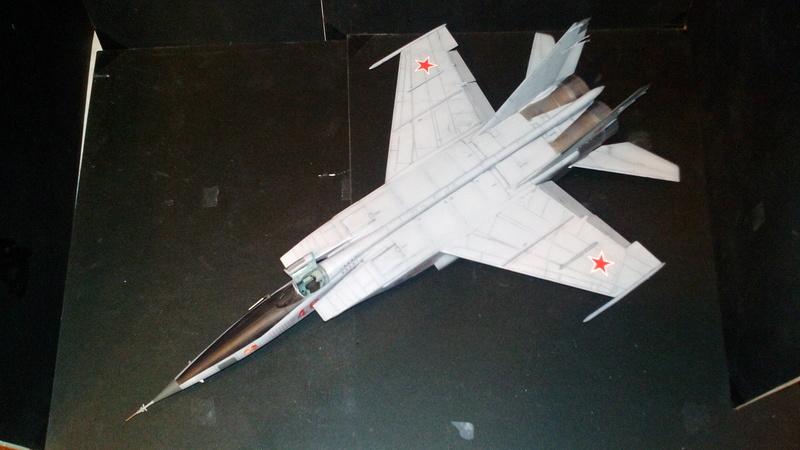 Mig-25 RBT 1/48 ICM Img_2034