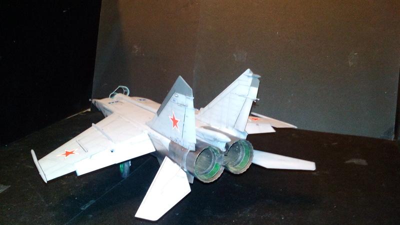 Mig-25 RBT 1/48 ICM Img_2037