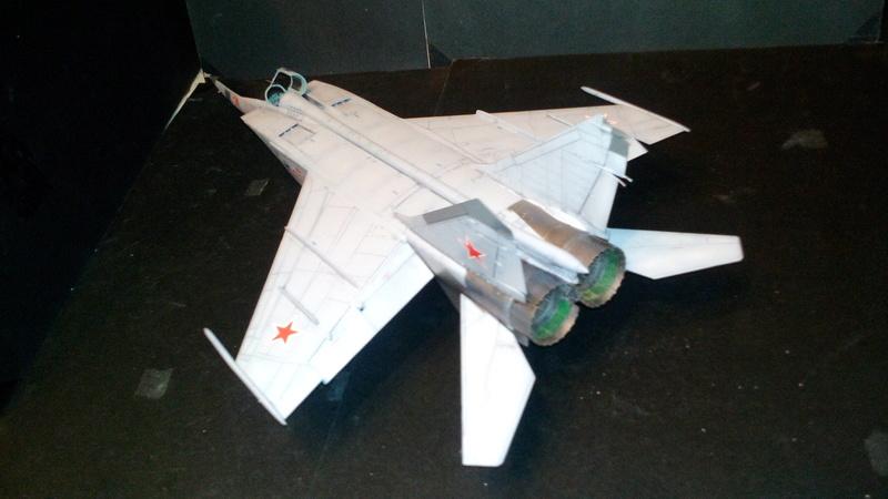Mig-25 RBT 1/48 ICM Img_2041