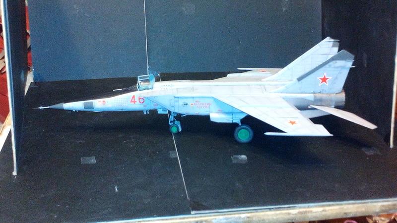 Mig-25 RBT 1/48 ICM Img_2052