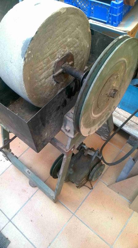 restauration d'une meule a eau Wp_20111