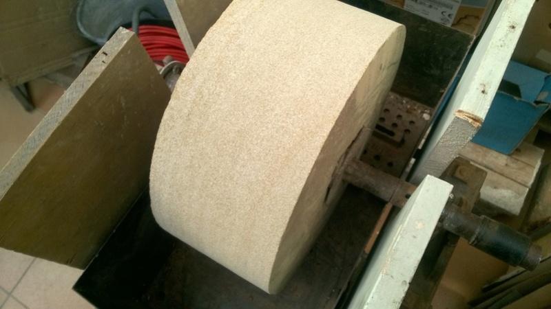 restauration d'une meule a eau Wp_20126