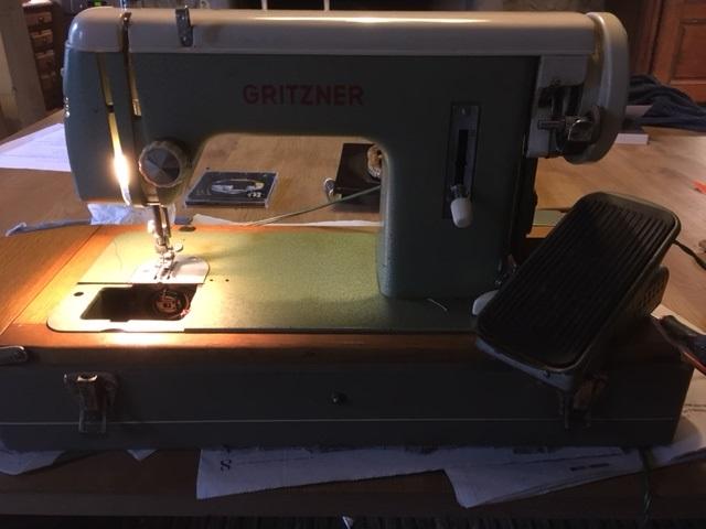 Cherche a faire réparer vieille Marchine GRITZNER Image110