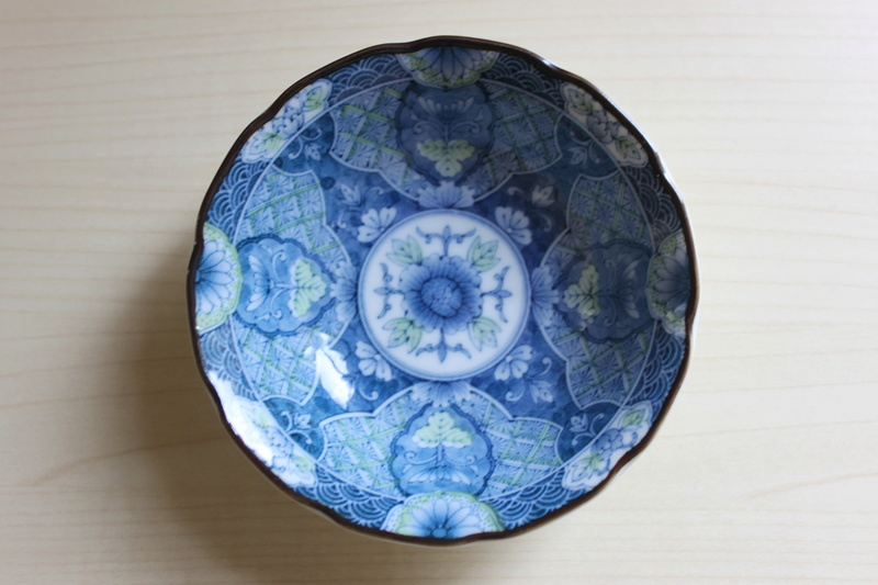 Small Blue and White Dish/Bowl. ID required Img_6116