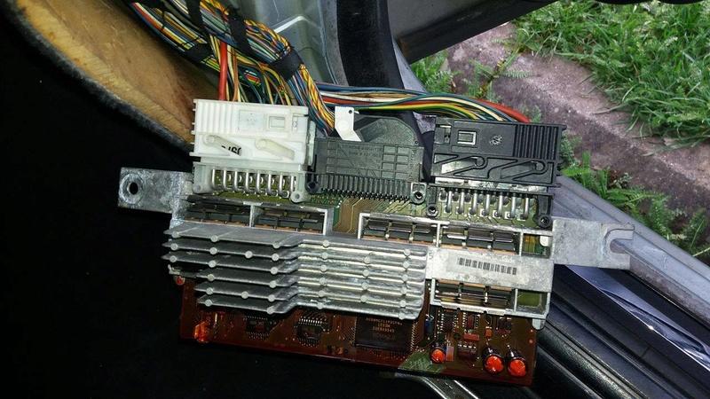 [ Bmw E39 525 tds an 1996 ] problème suite à changement de batterie  Module14