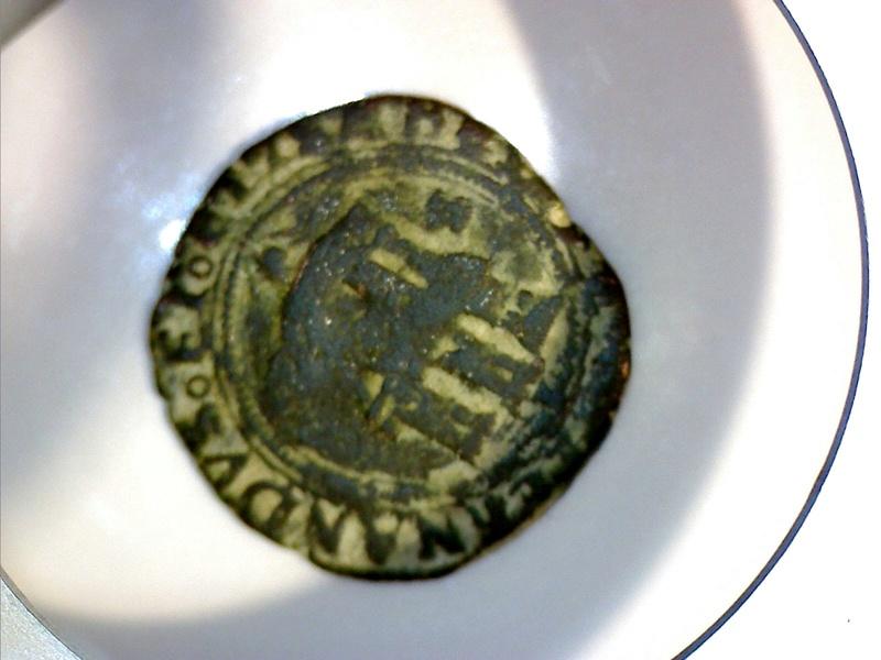 Variante 2 Maravedis de los Reyes Catolicos.Sevilla. Still010