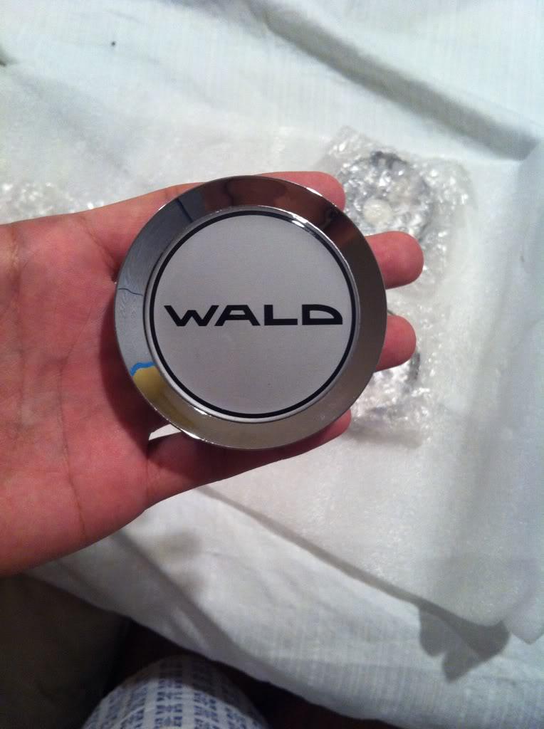 WALD Duchatelet D23 Center Caps Img_5110