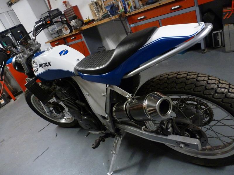 Aprilia rotax flat track P1050412