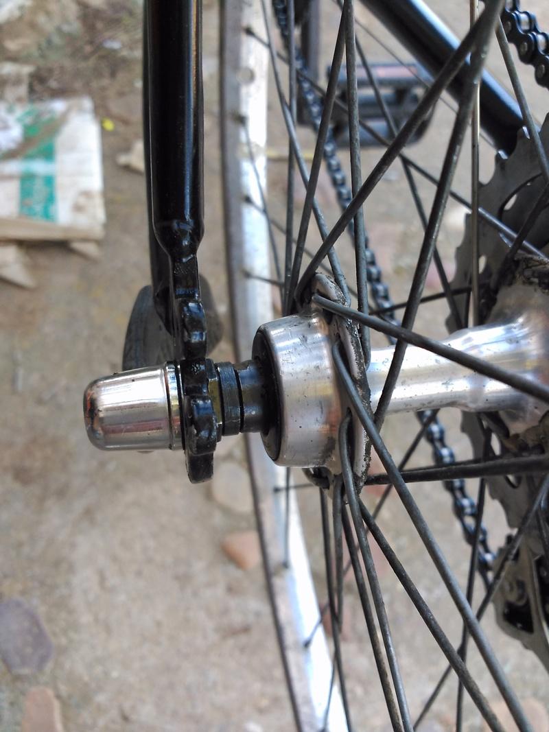 Montaje de mi primera bici eléctrica-  parte ciclo: centrar rueda Img_2010