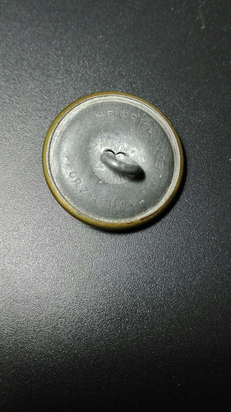 Identificar boton alemán con aguila y esvástica 210