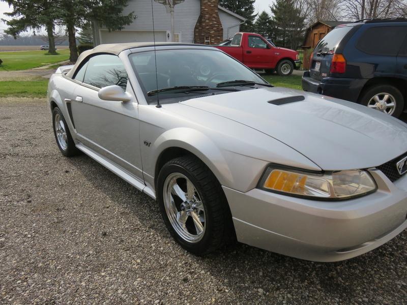2000 Mustang GT Convertible Img_0214