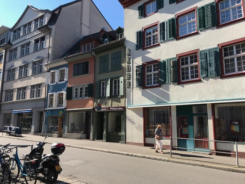 Nouvelle adresse à Bâle (Suisse) - Steinmann's Pfeifenladen  Img_0615