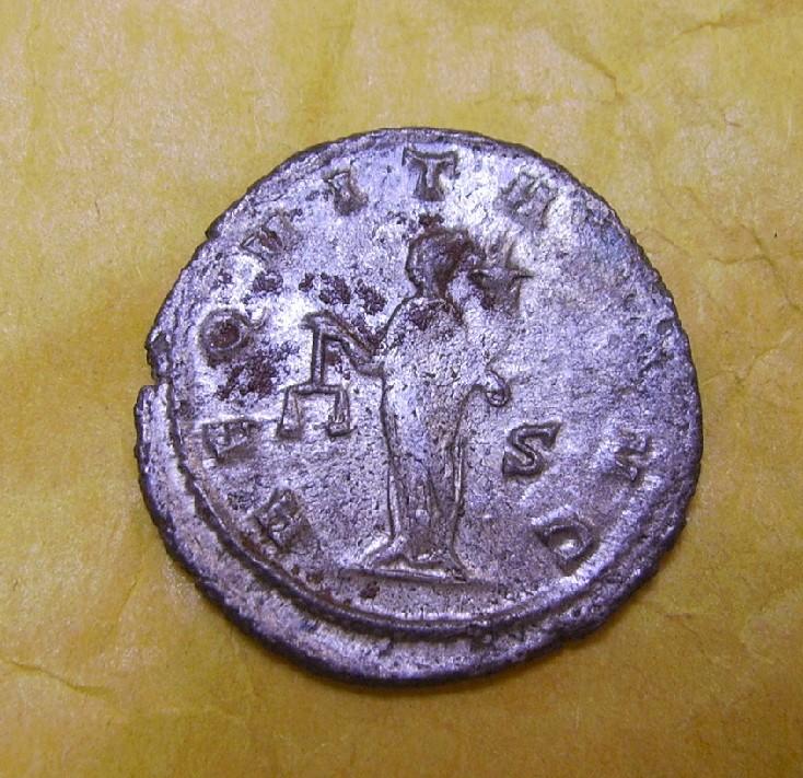 Antoniniano de Galieno. AEQVITAS AVG. Aequitas estante a izq. Ceca Mediolanum. Pict1314