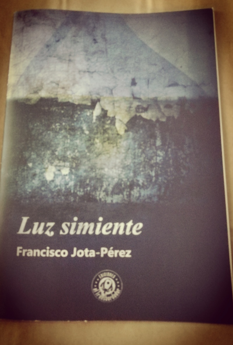 Presentación de LUZ SIMIENTE y firmas de Sant Jordi Img_2011