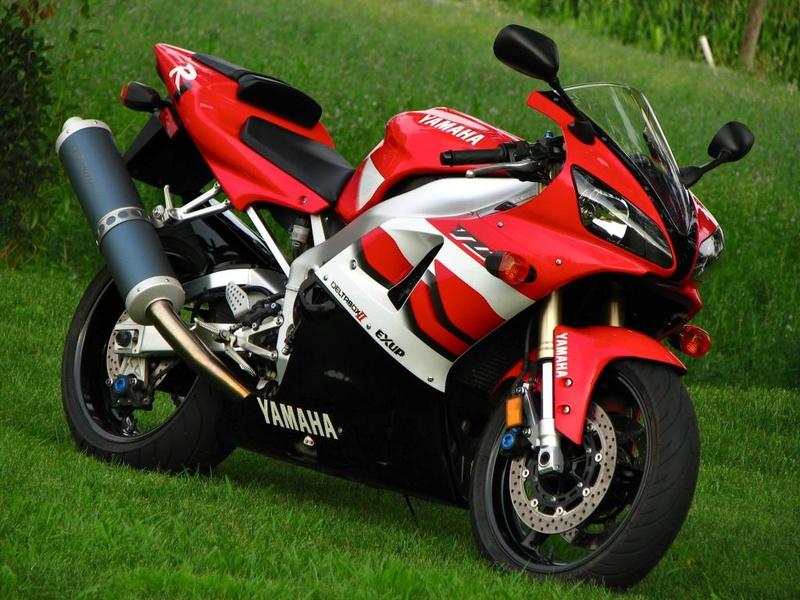 Votre plus belle moto du monde. 2000-r10