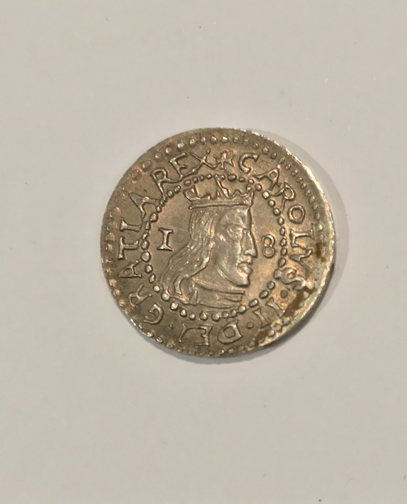 Moneda CARLOS II. Año 1.683 Img_5212