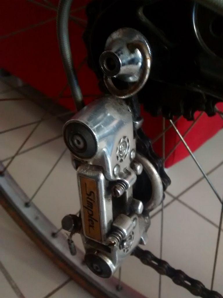 Quel est ce beau vélo en Reynolds 531 étiquette rouge ? Img_2020