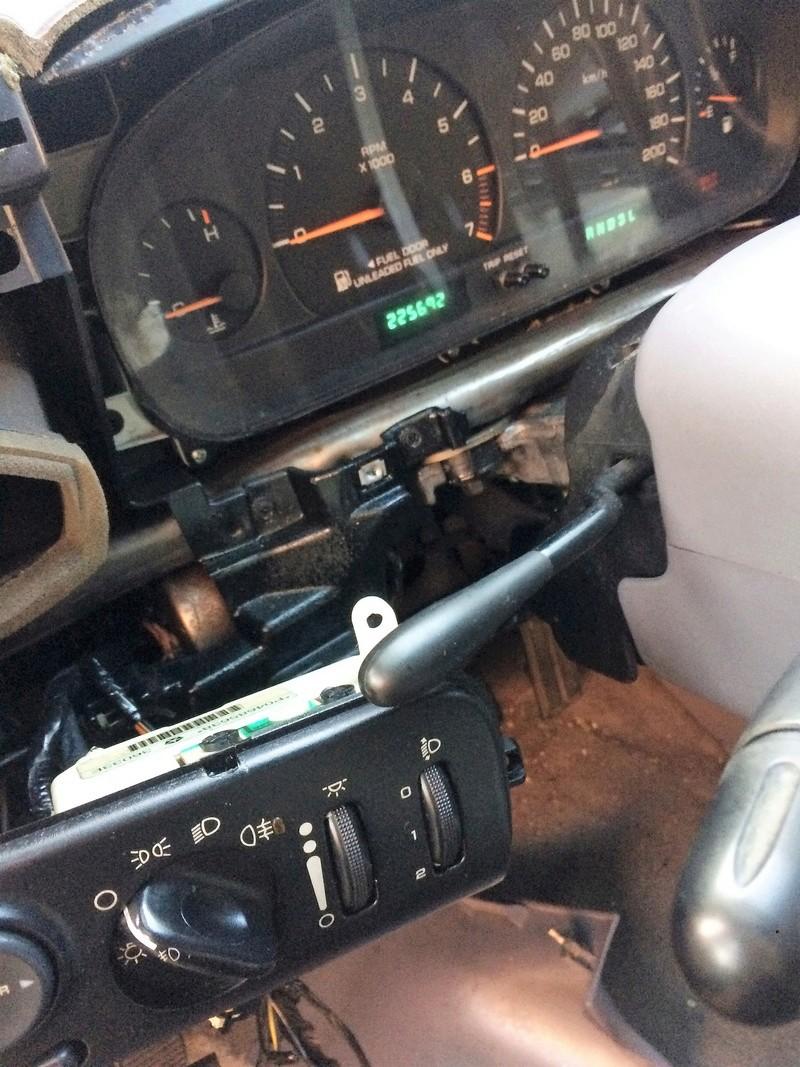 !!!HELP!!! Problème relais qui claque quand feux de position allumés Img_1810
