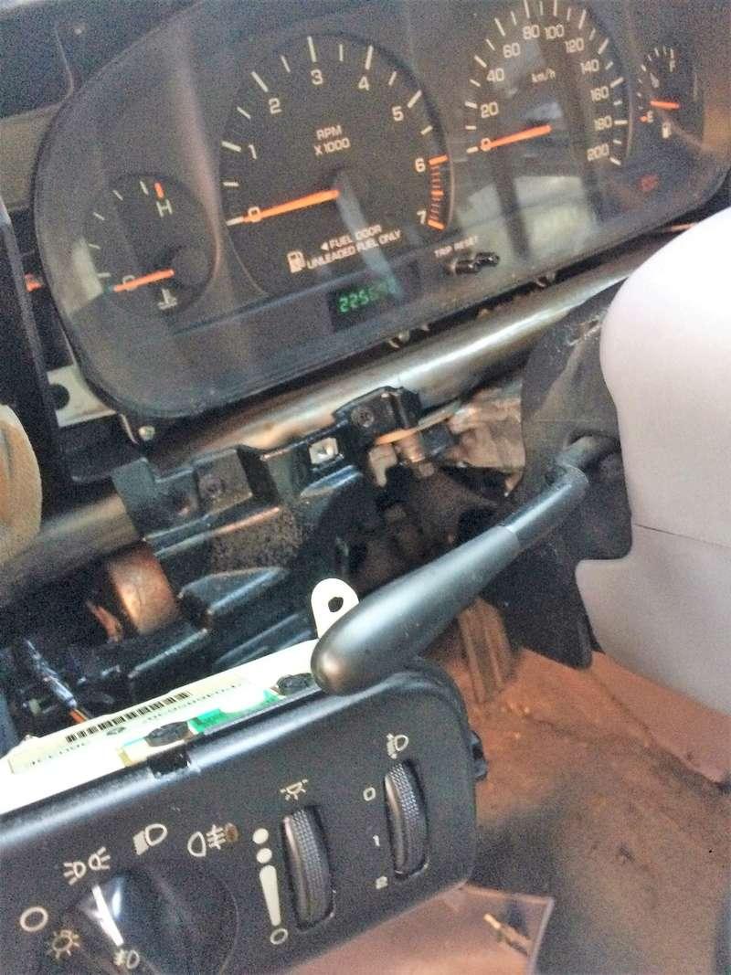 !!!HELP!!! Problème relais qui claque quand feux de position allumés Img_1811