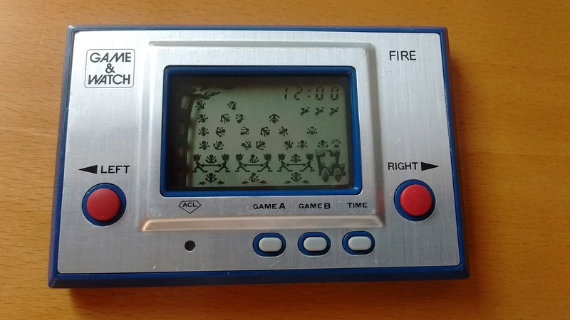 [EST] Game&Watch : Fire (RC-04) & Snoopy Tennis (SP-30) Img_2012