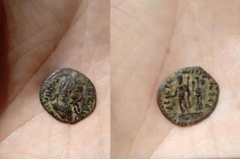 Denario de imitación bárbara de Septimio Severo. 18672910
