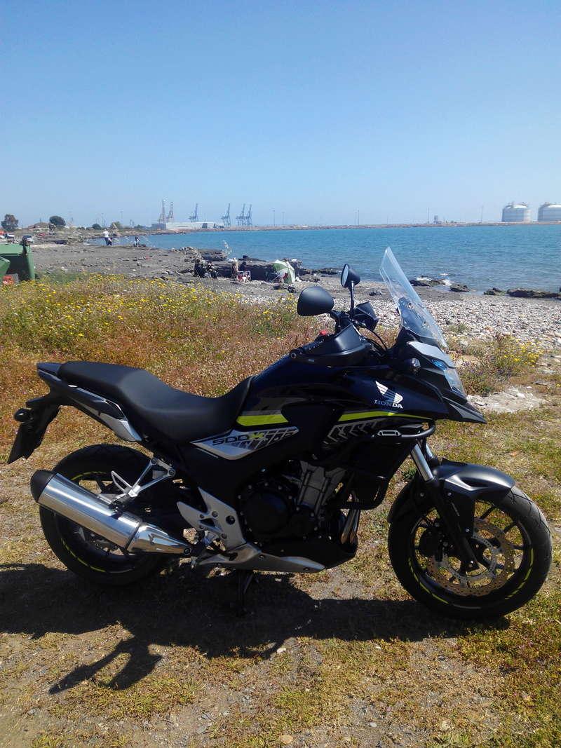 Mi negrita con sus chuches en la playa Img_2011