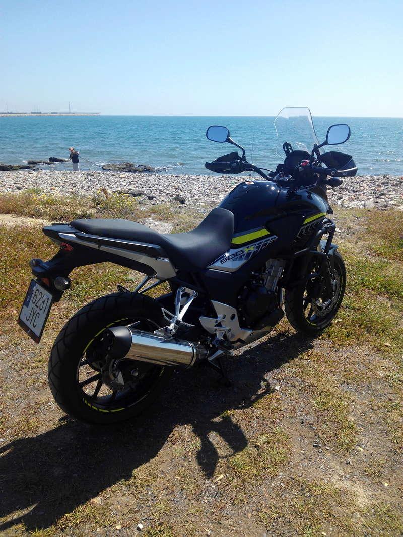 Mi negrita con sus chuches en la playa Img_2012