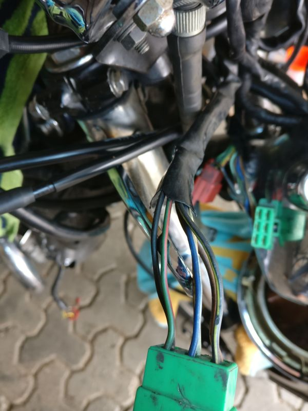 Instandsetzung und Neuaufbau CX500C - Seite 3 Stecke14