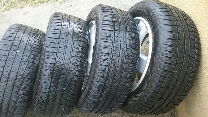 roues origine en 17 avec 4 pneus neiges Dsc_1511
