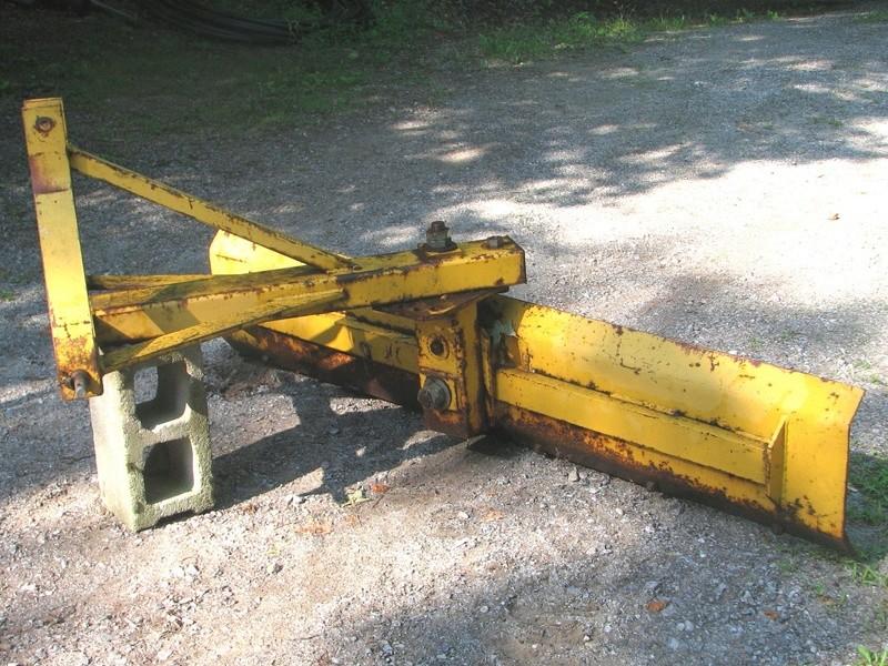 tracteur avec equipement (VENDU) Gratte10