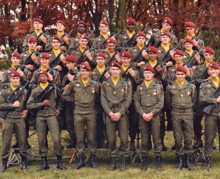 1er RCP , La 1ere Compagnie camp d'Idron. Une_110