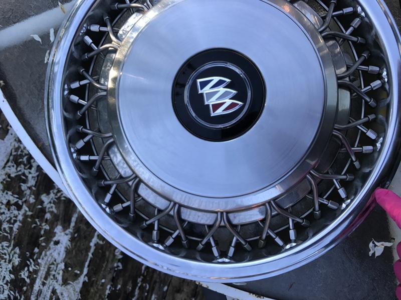 "3 Buick RMW 15"" spoke hubcaps for sale Rmw_hu22"