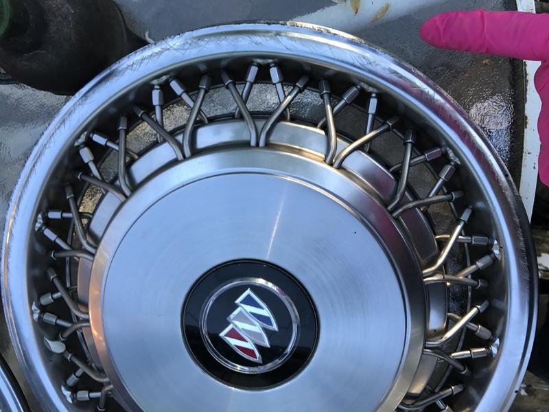 "3 Buick RMW 15"" spoke hubcaps for sale Rmw_hu25"