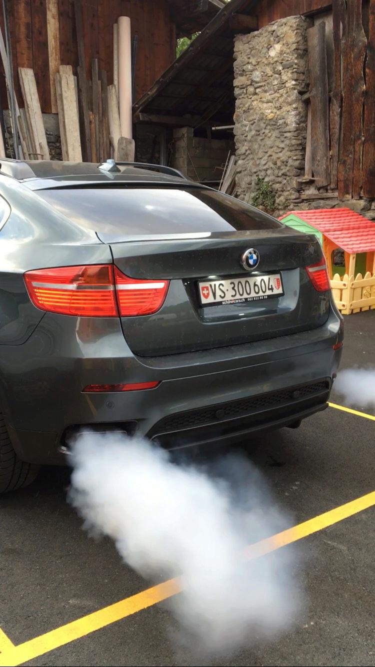 [ BMW E71 X6 4.4i an 2008 ] Moteur fume Image11
