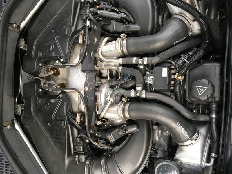 [ BMW E71 X6 4.4i an 2008 ] Moteur fume Image12