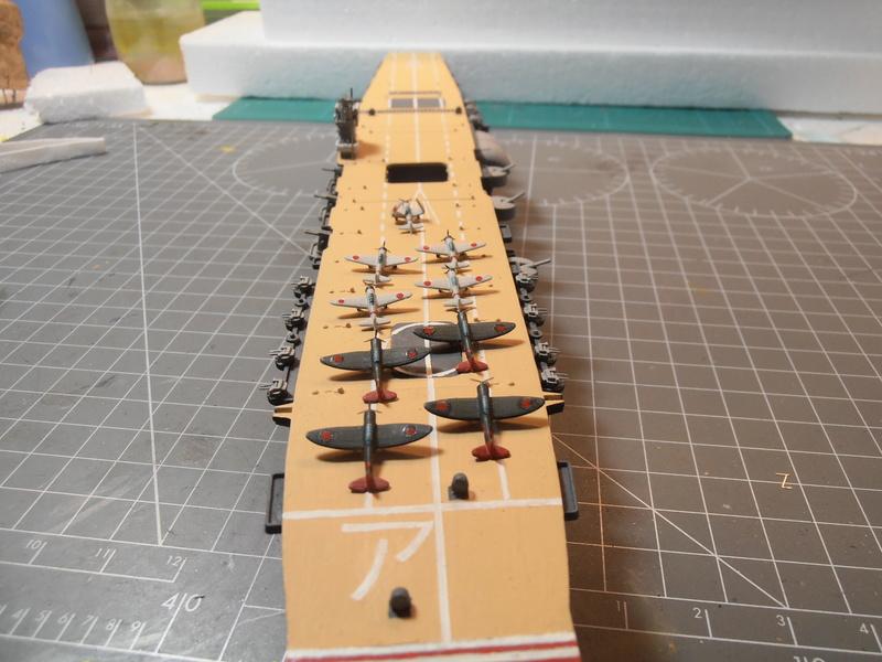 porte-avion Akagi au 1/700 d'Hasegawa P5100021