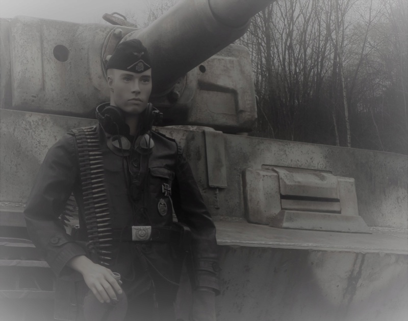 mon mannequin 12 ss panzer division P3240012