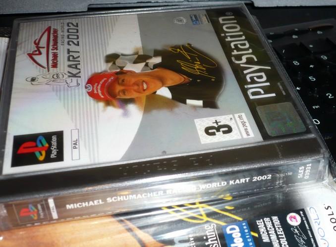 [PS1] sous blister : Michael Schumacher Racing World Kart 2002 P1070911