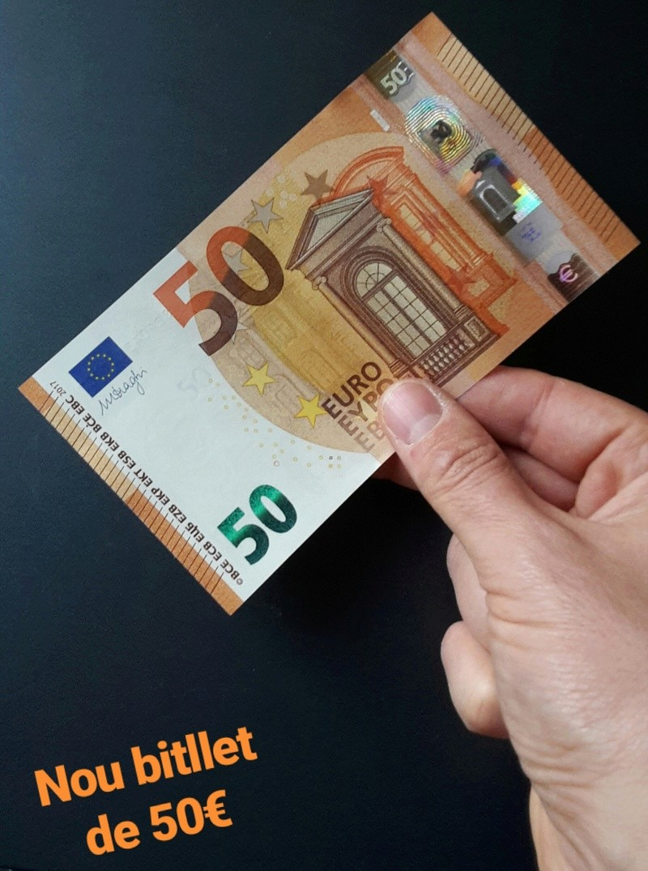 BILLETES DE EURO - Página 9 Img_2011