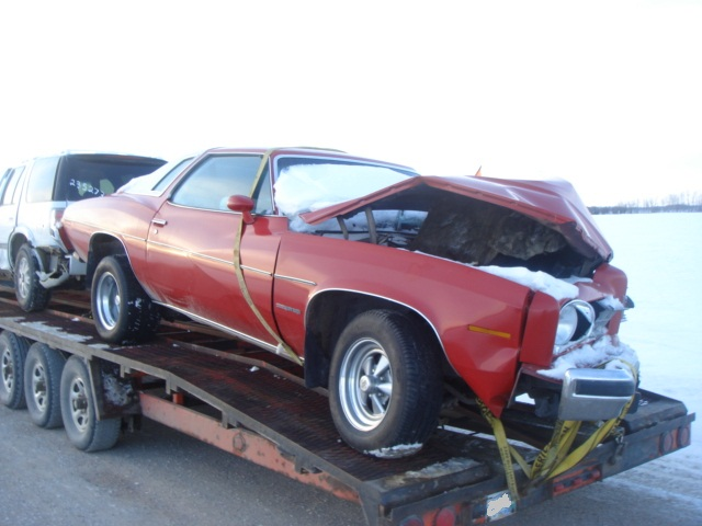 Parting Out: Complete 75 Malibu Classic 2dr Dsc03712